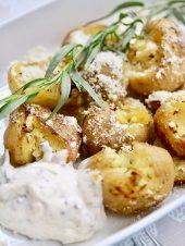 Midsommarmat (ミッドソンマルモート) ミッドサマーの食べ物 Farskpotatis(フェシュクポターティス)新ジャガ