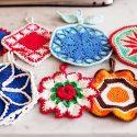 1. 祖母の世代の手編みの鍋つかみ